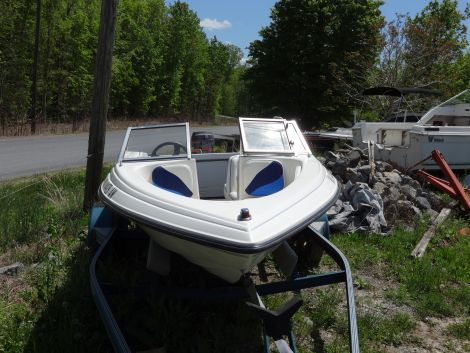 Used Blue Water Boats For Sale by owner | 1995 16 foot blue water walk through bow