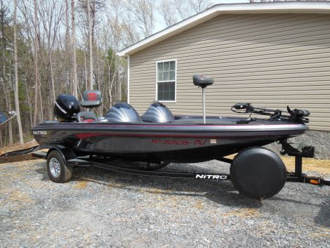 Used Fishing boats For Sale in Hickory, North Carolina by owner   2006 18 foot Nitro Nitro