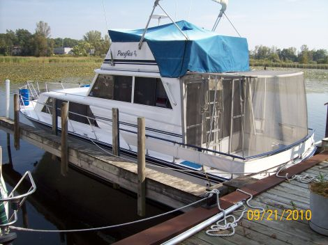 Used Marinette Boats For Sale in Michigan by owner   1985 32 foot Marinette sedan