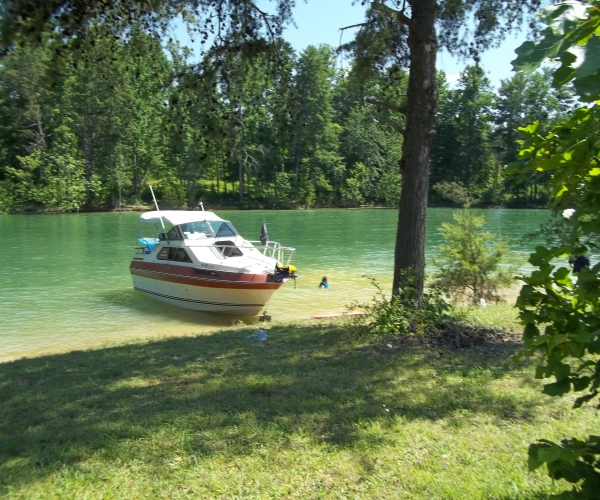 Used Motoryachts For Sale in Hickory, North Carolina by owner   1983 Century 5000 sun express
