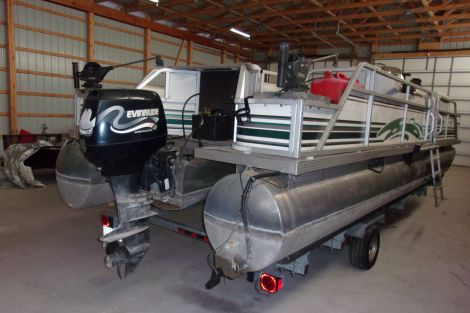 Used Boats For Sale in Michigan by owner | 1999 24 foot Manitou Osprey