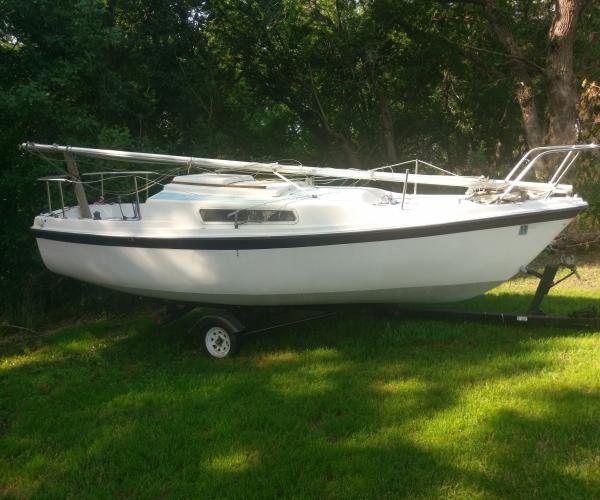 Used MacGregor Weekender Boats For Sale by owner   1979 22 foot MacGregor Weekender