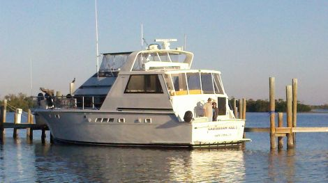 New HATTERAS Motoryachts For Sale by owner   1994 Hatteras CMY 52
