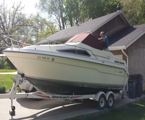 Used Power boats For Sale in Cedar Rapids, Iowa by owner   1991 Sea Ray 220 sundancer