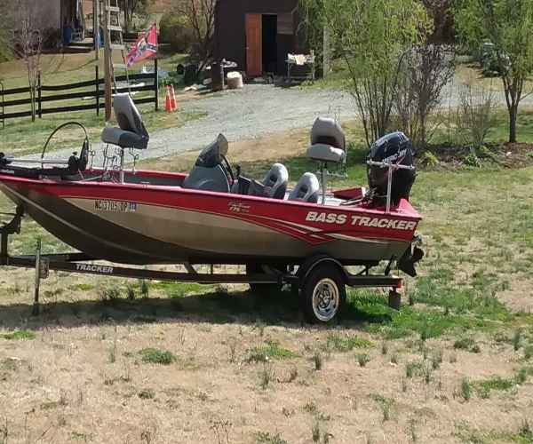 Used Fishing boats For Sale in Greensboro, North Carolina by owner   2010 Tracker Pro Team 175 txw