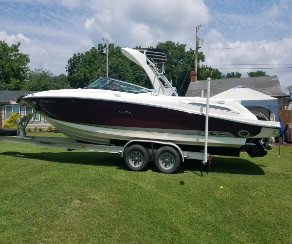 Used Sea Ray Boats For Sale in Salisbury, Maryland by owner | 2008 Sea Ray 250 SLX