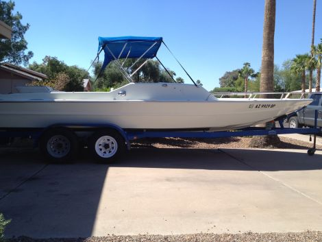 Used Lavey Craft Boats For Sale by owner | 1972 23 foot Lavey Craft V-Drive Daycruiser