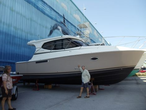 Used Silverton Motoryachts For Sale by owner   2009 silverton 33 sport coupe