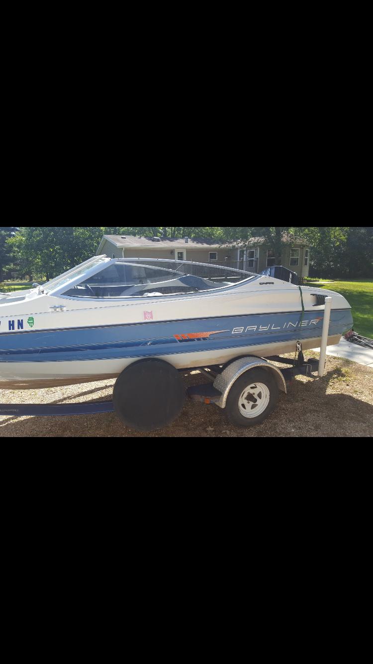 Used Ski Boats For Sale by owner | 1992 18 foot Bayliner Capri
