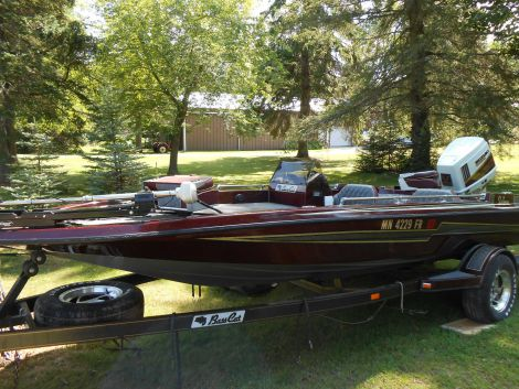 New Bass Cat Boats For Sale in Michigan by owner | 1992 18 foot Bass cat SABRE