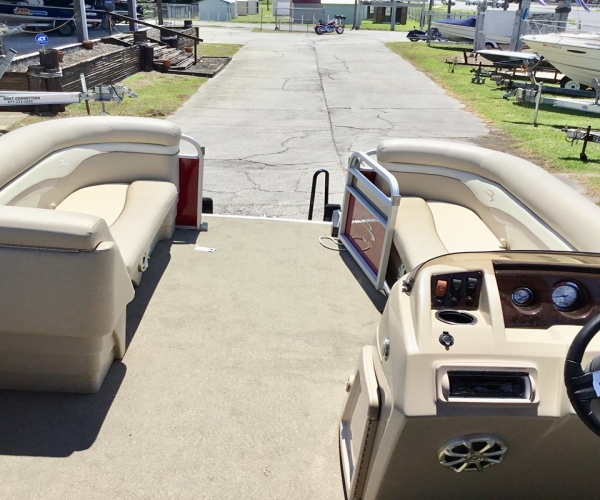 Used Bennington Boats For Sale in Florida by owner | 2014 Bennington S240 Tri-Toon