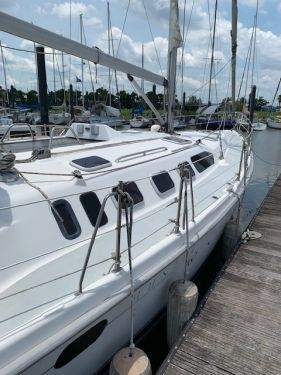 Used Hunter Sailboats For Sale by owner   2001 Hunter 460
