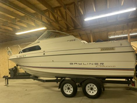 Used CRUISERS Boats For Sale by owner   1994 22 foot CRUISERS Bayliner classic