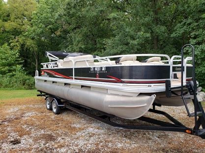 Used Pontoon Boats For Sale in Missouri by owner   2013 Sun Tracker 24' Fishing Barge DL