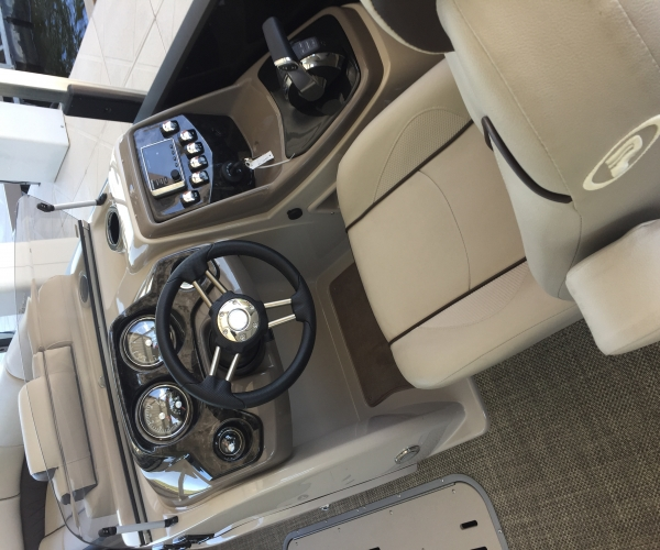 Used Pontoon Boats For Sale in Missouri by owner   2017 Princecraft Vogue 25XT