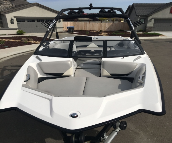 Used Ski Boats For Sale in Merced, California by owner | 2010 Axis A-22