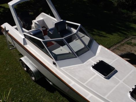 Used Power boats For Sale in New Zealand by owner | 2005 28 foot owner built pelin vendetta