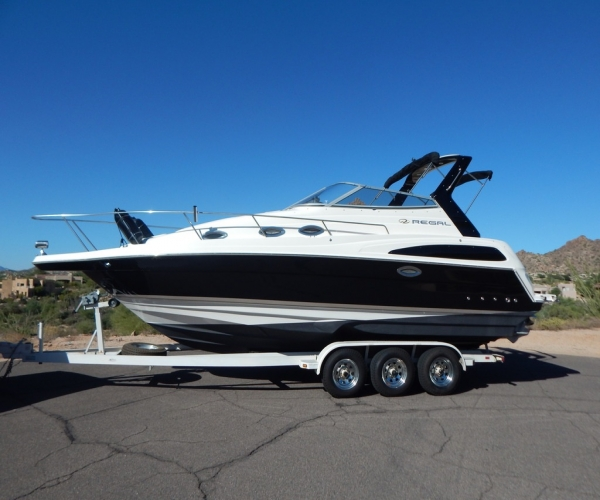 Used Power boats For Sale in Rhode Island by owner | 2004 Regal 2860 Commodore