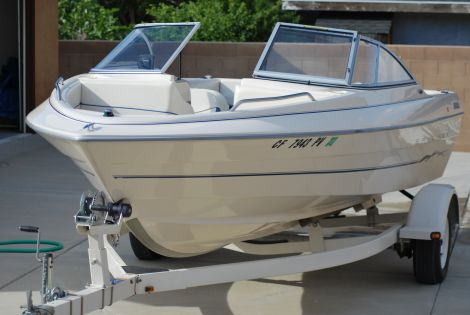 Used Power boats For Sale in Bakersfield, California by owner | 2002 Bayliner Runabout Classic 1950