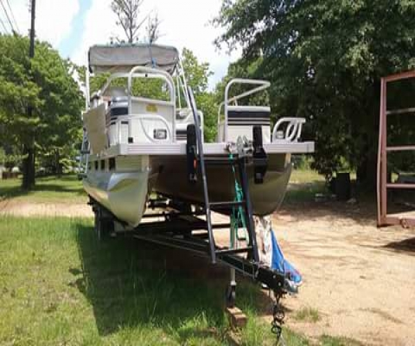 Used Fisher Boats For Sale by owner   1990 24 foot Fisher Freedom