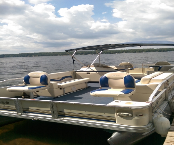Used Crestliner Boats For Sale in Saginaw, Michigan by owner | 2003 21 foot Crest Family Fish