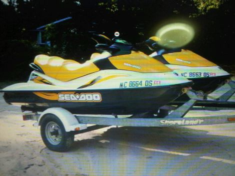 Used Seadoo PWCs For Sale by owner | 2007 Seadoo TWO Jet Skis GTI 130hp