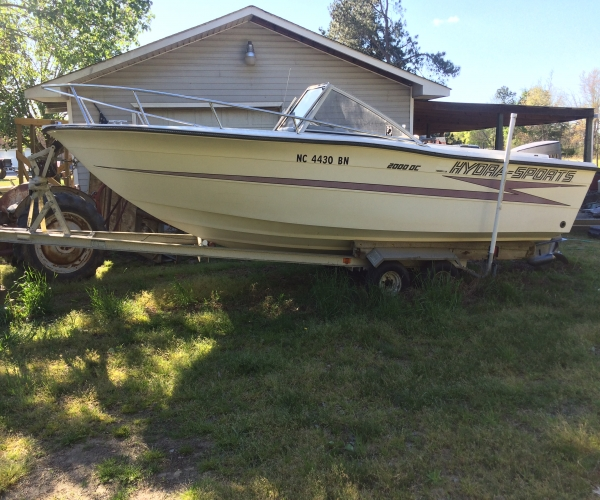 Used Fishing boats For Sale in Greensboro, North Carolina by owner   1988 Hydra-Sports 2000DC