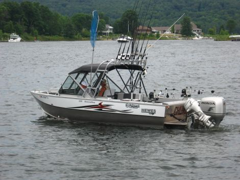 Used Fishing boats For Sale in Michigan by owner   2011 22 foot Hewes Craft Ocean Pro
