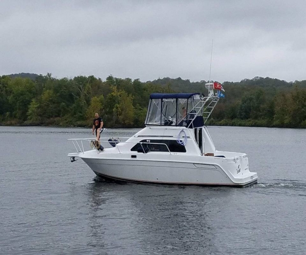 Used Power boats For Sale in Connecticut by owner   1995 Mainship 31 Sedan Bridge