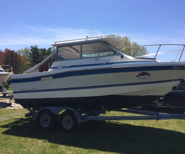 Used Bayliner Boats For Sale in Salisbury, Maryland by owner   1987 21 foot Bayliner TROPHY