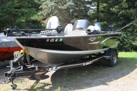 Used Alumacraft Fishing boats For Sale in Syracuse, New York by owner | 2006 18 foot Alumacraft Dominator CS