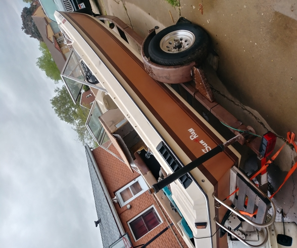 Used SUNRAY Boats For Sale by owner   1983 18 foot SUNRAY Inboard Outboard