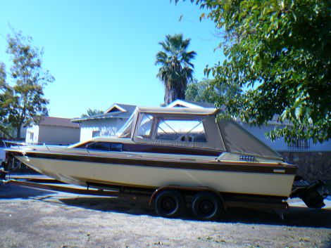 Used Mercruiser Boats For Sale by owner   1982 26 foot mercruiser  Caribbean