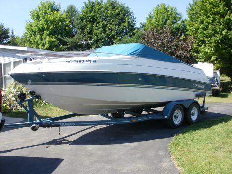 Used FOUR WINNS Boats For Sale in Michigan by owner | 1994 fourwinns 215 sundowner