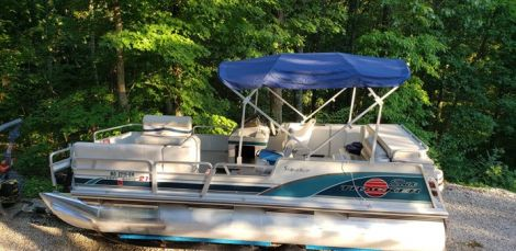 Used Tracker Boats For Sale by owner   1998 Tracker Party Barge 21 Signature