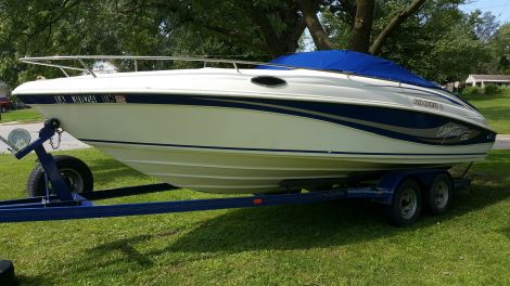 New Boats For Sale in Des Moines, Iowa by owner | 1997 Rinker Captiva 232 Cuddy Cabin