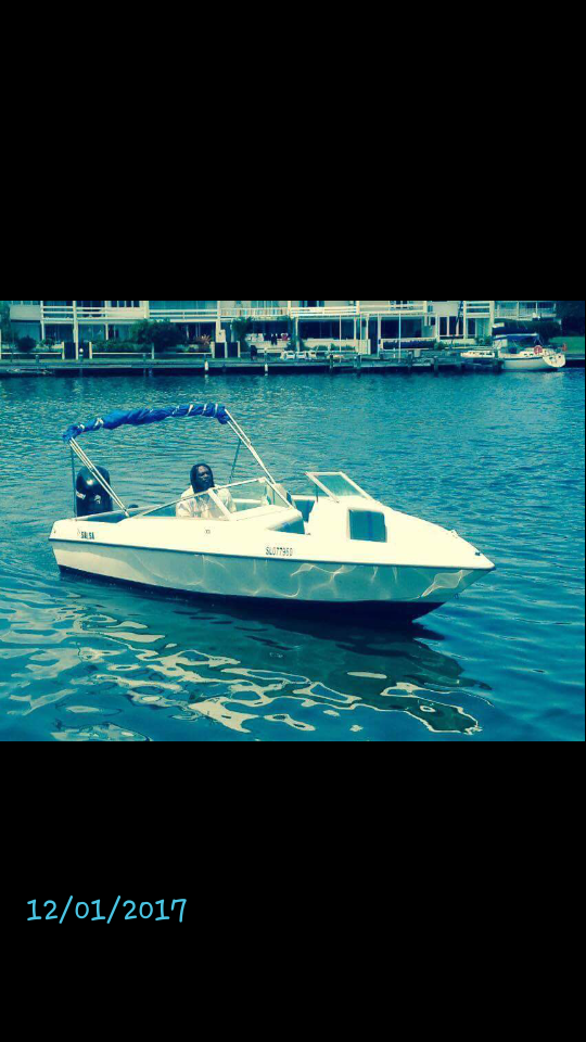 Used Boats For Sale in St Lucia by owner | 1990 26 foot Boston Whaler Boston whaler
