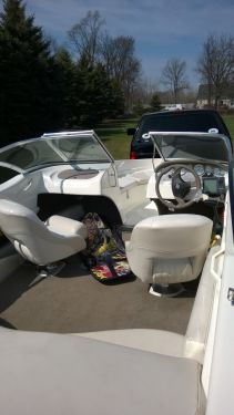 Used Glastron Boats For Sale in Michigan by owner | 2004 GlastronS SX195