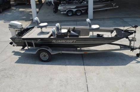 Used Fishing boats For Sale in Fayetteville, North Carolina by owner   2002 16 foot Alumacraft Crappie Pro