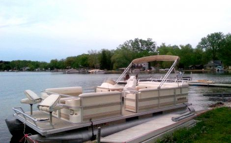 Used Crestliner Boats For Sale in Jackson, Mississippi by owner | 1998 22 foot Crest Marine Crest II