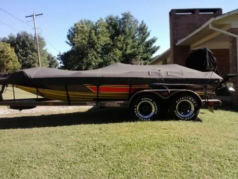 Used Fishing boats For Sale in Hickory, North Carolina by owner   1990 19 foot Skeeter Bass Boat