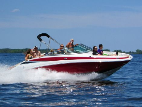 Used Power boats For Sale by owner | 2016 Crownline E2