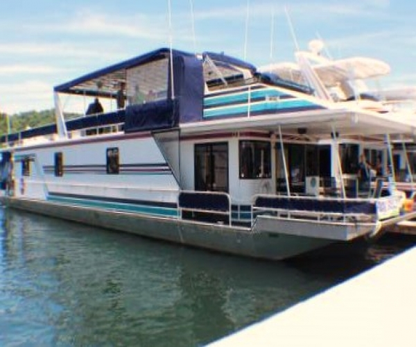Used Houseboats For Sale by owner | 1996 86 foot Sunstar houseboat