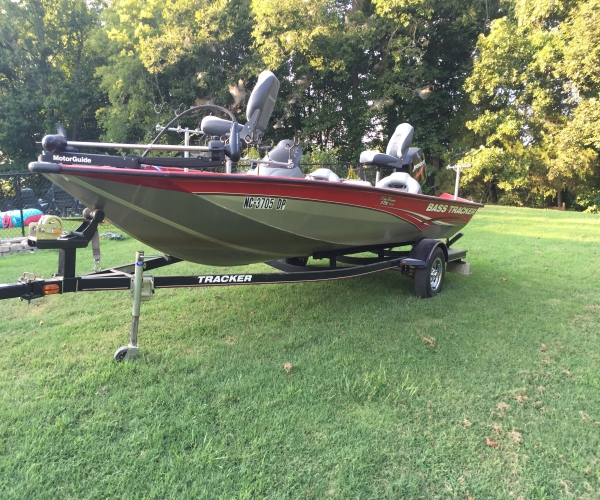 Used Fishing boats For Sale in Greensboro, North Carolina by owner   2010 Tracker Pro team 175