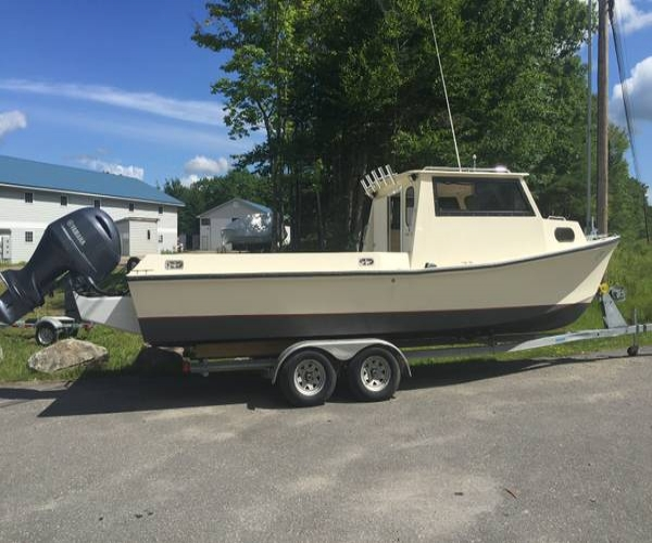 Used Boats For Sale in Maine by owner | 1993 25 foot Wellcraft Buxton Cuddy Pilothouse