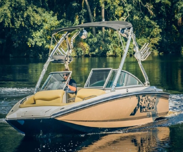 Used Boats For Sale in Fayetteville, North Carolina by owner | 2010 Mastercraft X Star 220